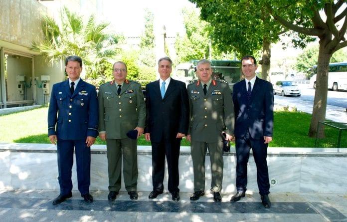 ΓΕΕΘΑ Πολεμικό Μουσείο: Πυρά αποστράτων κατά ΥΕΘΑ - Αρχηγού ΓΕΕΘΑΠολεμικό Μουσείο: «Δεν παραιτούμαι» δηλώνει ο ναύαρχος - Εμπλοκή