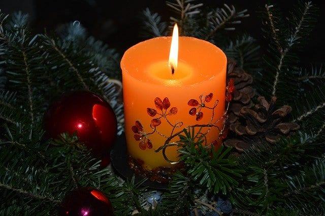 Γιορτή σήμερα 24, 25 Δεκεμβρίου Εορτολόγιο Ποιοι γιορτάζουν 24/12 στην Ορθόδοξη Εκκλησία - Μην ξεχάσετε να ευχηθείτε χρόνια πολλά