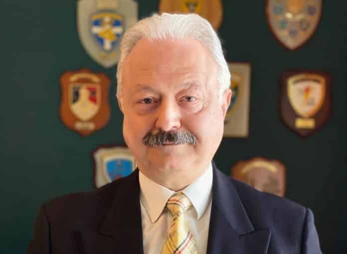 ΕΑΑΣ: Στρατηγοί κατά των αποφάσεων της Δικαιοσύνης Εκλογές ΕΑΑΣ: Νέος πρόεδρος ο αντιστράτηγος Κουτρής Εκλογές ΕΑΑΣ 2020: Ηχηρή απάντηση στον Ροζή από τον Σταύρο Κουτρή