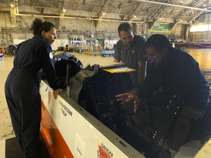 Πολεμική Αεροπορία: Τι κάνουν οι τεχνικοί των T-6 Texan στις ΗΠΑ