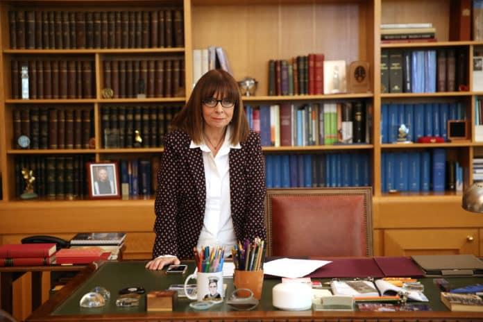 25η Μαρτίου: Διάγγελμα Σακελλαροπούλου Η Πρόεδρος της Δημοκρατίας θα απευθύνει διάγγελμα με αφορμή την αυριανή εθνική επέτειο Πρόεδρος Δημοκρατίας: Αλλάζει η τελετή λόγω κορονοϊού