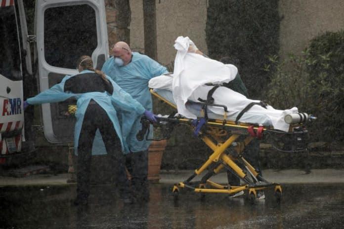 ΗΠΑ Covid-19: Πάνω από 2.000 νεκροί σε 24 ώρες Κορονοϊός: Οι ΗΠΑ ξεπέρασαν σε κρούσματα την Κίνα