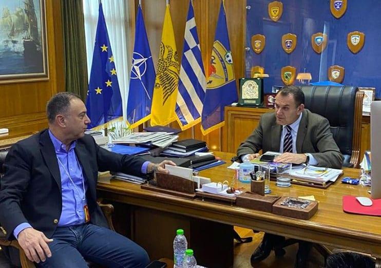 Κορονοϊός: Πόσο κοντά ήρθαν Κέλλας Παναγιωτόπουλος - Ο βουλευτής Λάρισας που νοσηλεύεται στο νοσοκομείο είχε νωρίτερα συναντήσει τον ΥΕΘΑ