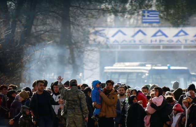 Αντιστράτηγος βλέπει μακροχρόνια «πολιορκία» των συνόρων Τούρκος δημοσιογράφος: Η ΜΙΤ στέλνει τους πρόσφυγες στα σύνορα με την Ελλάδα αποκαλύπτει ο αντικαθεστωτικός Αμπντουλάχ Μποζκούρτ