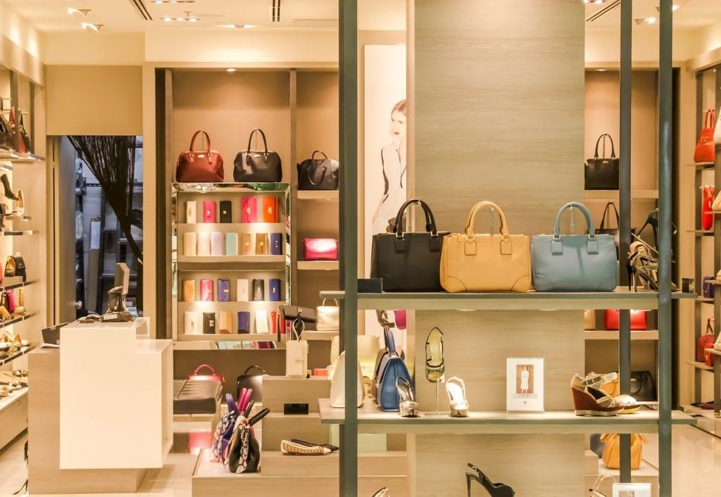 Αγίου Πνεύματος 8 Ιουνίου 2020: Σούπερ μάρκετ μαγαζιά τράπεζες Ποια μαγαζιά ανοίγουν σήμερα Δευτέρα 11 Μαϊου