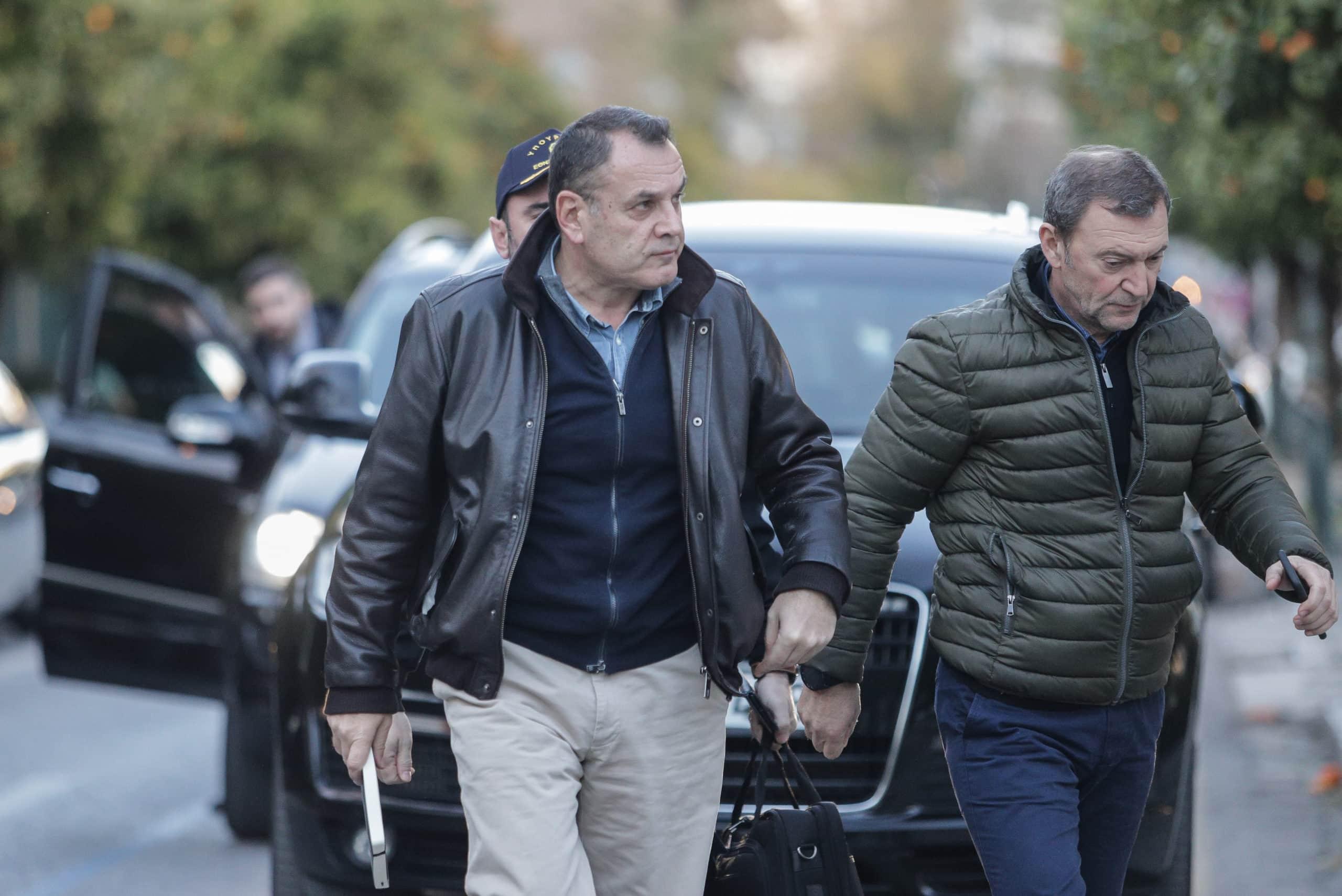 ΠΟΕΣ προς ΥΕΘΑ: ΜΗΝ τολμήσετε να καταργήσετε τον συνδικαλισμό Νίκος Παναγιωτόπουλος: Ο λιγότερο αποτελεσματικός υπουργός - ALCO 700 ΣΕ: Επίσκεψη Παναγιωτόπουλου - Νέα καταγγελία της ΠΟΕΣ