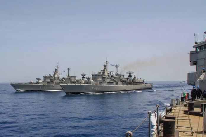 ΗΕΕ Πολεμικό Ναυτικό: ΑΝΑΤΡΟΠΗ με τις ΗΕΕ Ποιοι παίρνουν περισσότερες ως οικονομική ενίσχυση λόγω των έκτακτων συνθηκών του τελευταίου τριμήνου ανάκληση αδειών Ελλάδα - Τουρκία: Τι συμβαίνει στις Ένοπλες Δυνάμεις αναφορικά με τις άδειες και την φημολογούμενη επιστράτευση σε Εβρο και νησιά μετά την τουρκική NAVTEX Πολεμικό Ναυτικό: Ο Κορωνοϊός «χτύπησε» μόνο την Καταιγίδα 2020