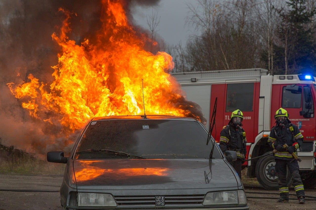 Κύπρος: Στρατιωτικοί κινδύνεψαν να καούν ζωντανοί μέσα στο όχημά τους στον αυτοκινητόδρομο Πάφου- Λεμεσού