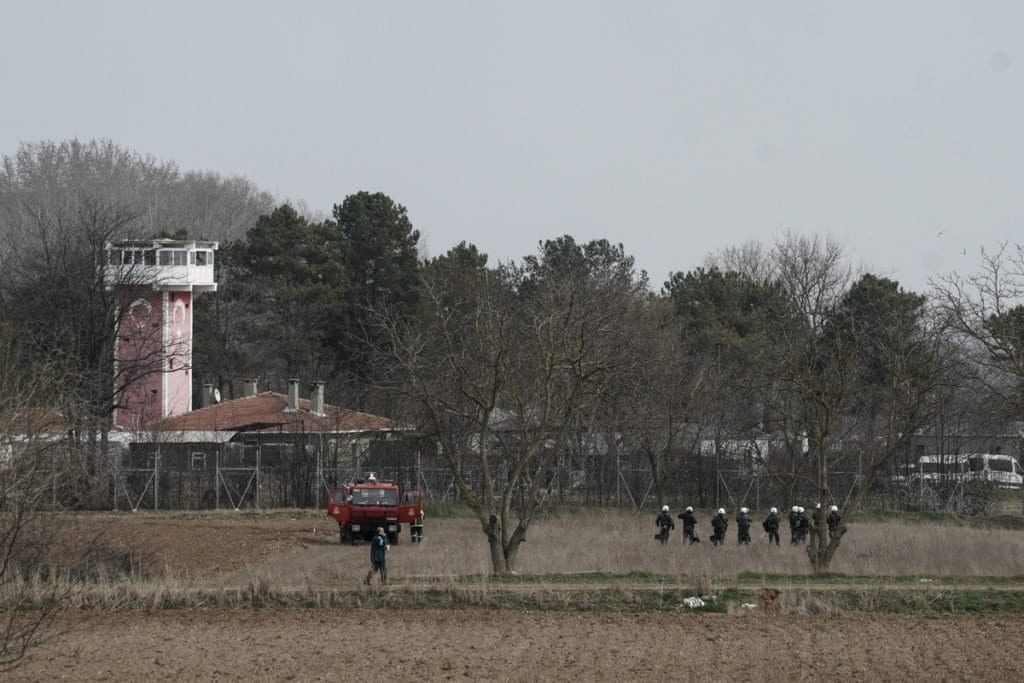 Έβρος ΤΩΡΑ: 400 αστυνομικοί ενισχύουν τα σύνορα