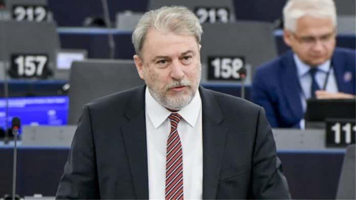 ερντογάν Νότης Μαριάς: Οι βουλευτές να φέρουν νόμο για ΑΟΖ όχι μόνο λόγια Γενοκτονία Ποντίων: Ποιοι απέρριψαν το ψήφισμα Μαριά για αναγνώριση Νότης Μαριάς: Η Άγκυρα σχεδιάζει «ντου» σε Έβρο νησιά