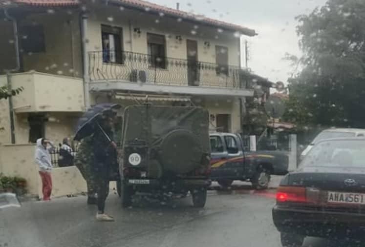 Τροχαίο ατύχημα με στρατιωτικό όχημα σημειώθηκε σήμερα στη Ξάνθη, στην έξοδο της πόλης για τα Πομακοχώρια.