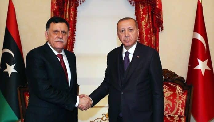 Ερντογάν - Σαράτζ: Συμφώνησαν για γεωτρήσεις στην Αν. Μεσόγειο