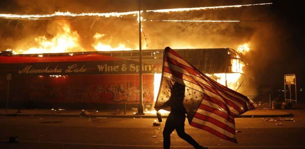 ΗΠΑ: Ο Στρατός στους δρόμους τραμπ