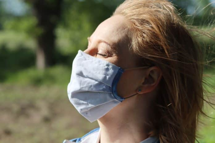 Κορονοϊός: Μάσκα ή ασπίδα; Τι λέει ο Ιατρικός Σύλλογος, μέσω του προέδρου του Αθανάσιου Εξαδακτυλου - Τι συνιστά στους πολίτες