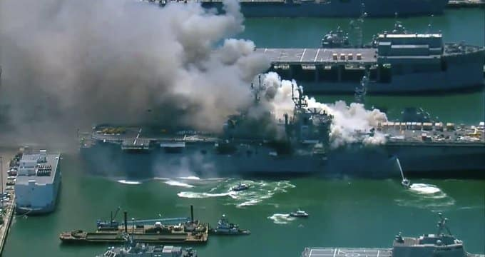 USS Bonhomme Richard πυρκαγιά