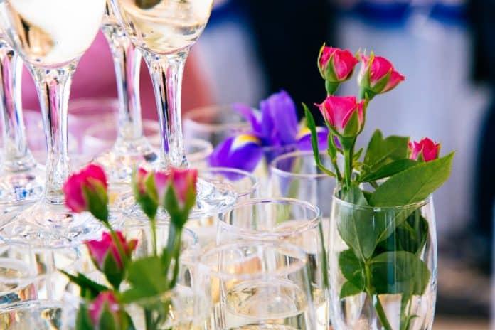 Γιορτή σήμερα Τρίτη 29 Σεπτεμβρίου 2020 Δείτε ποιοι γιορτάζουν σήμερα 29/9 και στείλτε τους τις πιο όμορφες ευχές με κρητικές μαντινάδες