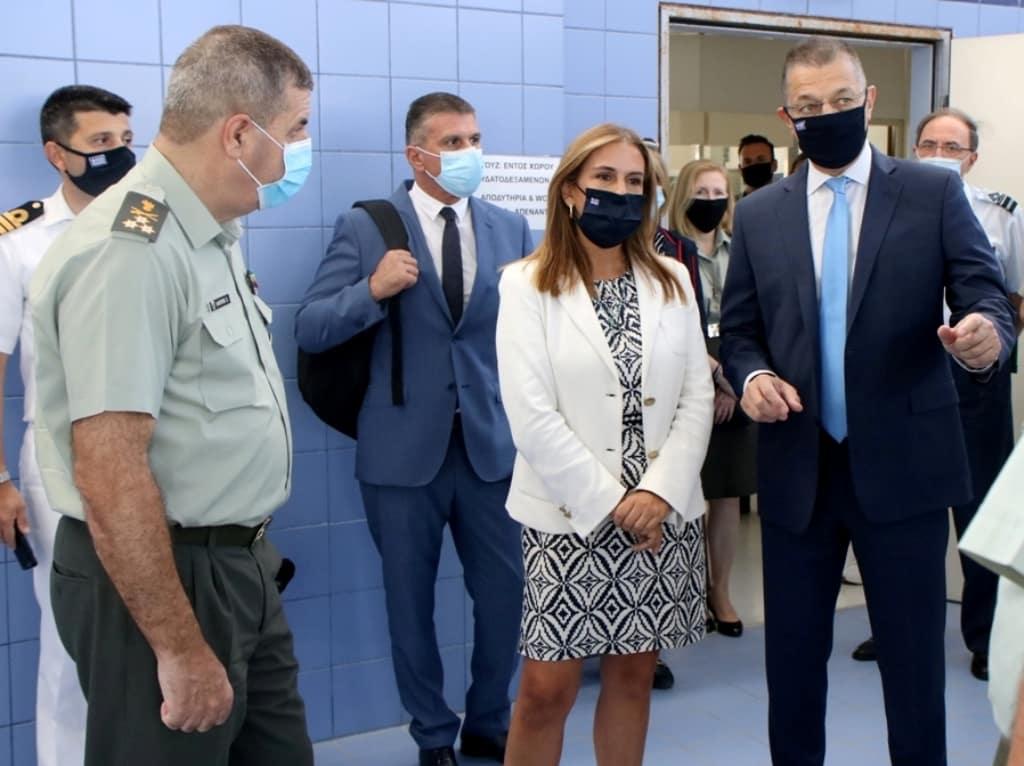 Κορονοϊός: Τι γύρευε ο Αλ. Στεφανής στο 414 στρατιωτικό νοσοκομείο
