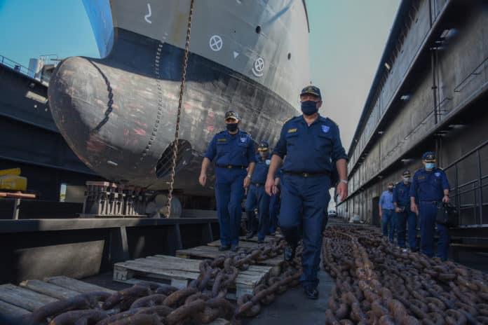 Πολεμικό Ναυτικό: Ο Αρχηγός ΓΕΝ στο Ναύσταθμο Σαλαμίνας ΦΩΤΟ