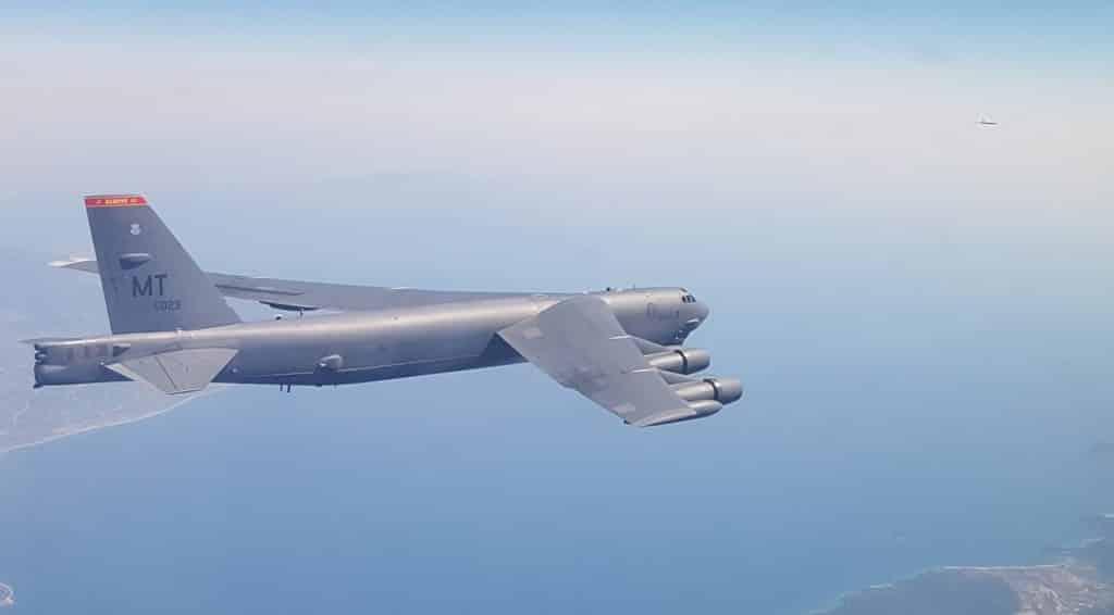 Αμερικανικά βομβαρδιστικά B-52 σε Ελλάδα - Κύπρο συνοδεία F-16