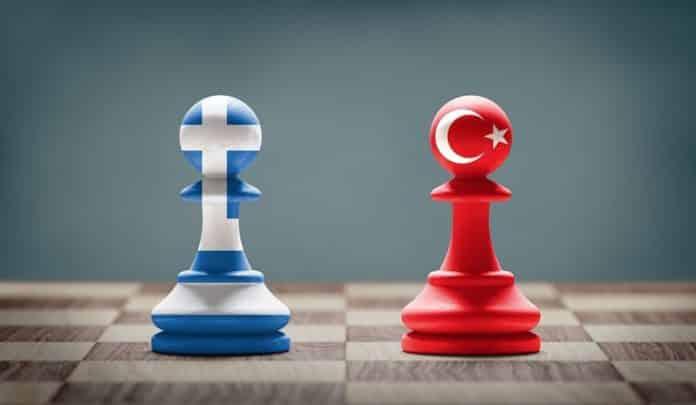 Πώς η Τουρκία κατάφερε να αποκόψει πλήρως την Ελλάδα από την Κύπρο Ελληνοτουρκικός διάλογος: Ελλάδα-Τουρκία στο ναρκοπέδιο του Κυπριακού - Η απαίτηση για απόσυρση των τουρκικών στρατευμάτων από την Κύπρο Ελλάδα - Τουρκία: Εθνικό αδιέξοδο στην εξωτερική πολιτική Ελλάδα - Τουρκία: Πιέσεις για αποστρατιωτικοποίηση με ανταλλάγματα Η θεωρία του πρώτου πλήγματος στα ελληνοτουρκικά