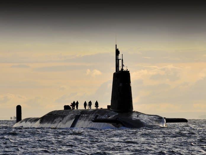 Κορονοϊός: 35 θετικά κρούσματα καθηλώνουν υποβρύχιο