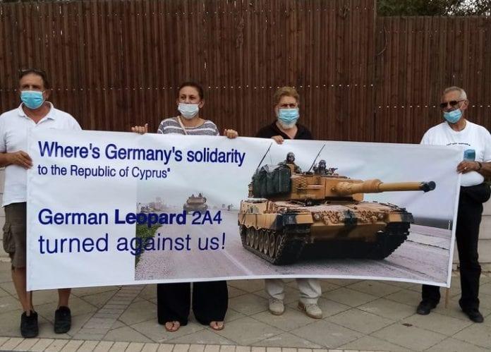 Μήνυμα Κυπρίων: Να αποσύρει η Γερμανία τα Leopard από τα Κατεχόμενα