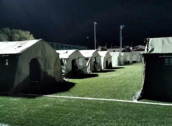 Στρατός Ξηράς: Η «χακί» αλληλεγγύη στη Σάμο σε 8 ΦΩΤΟ