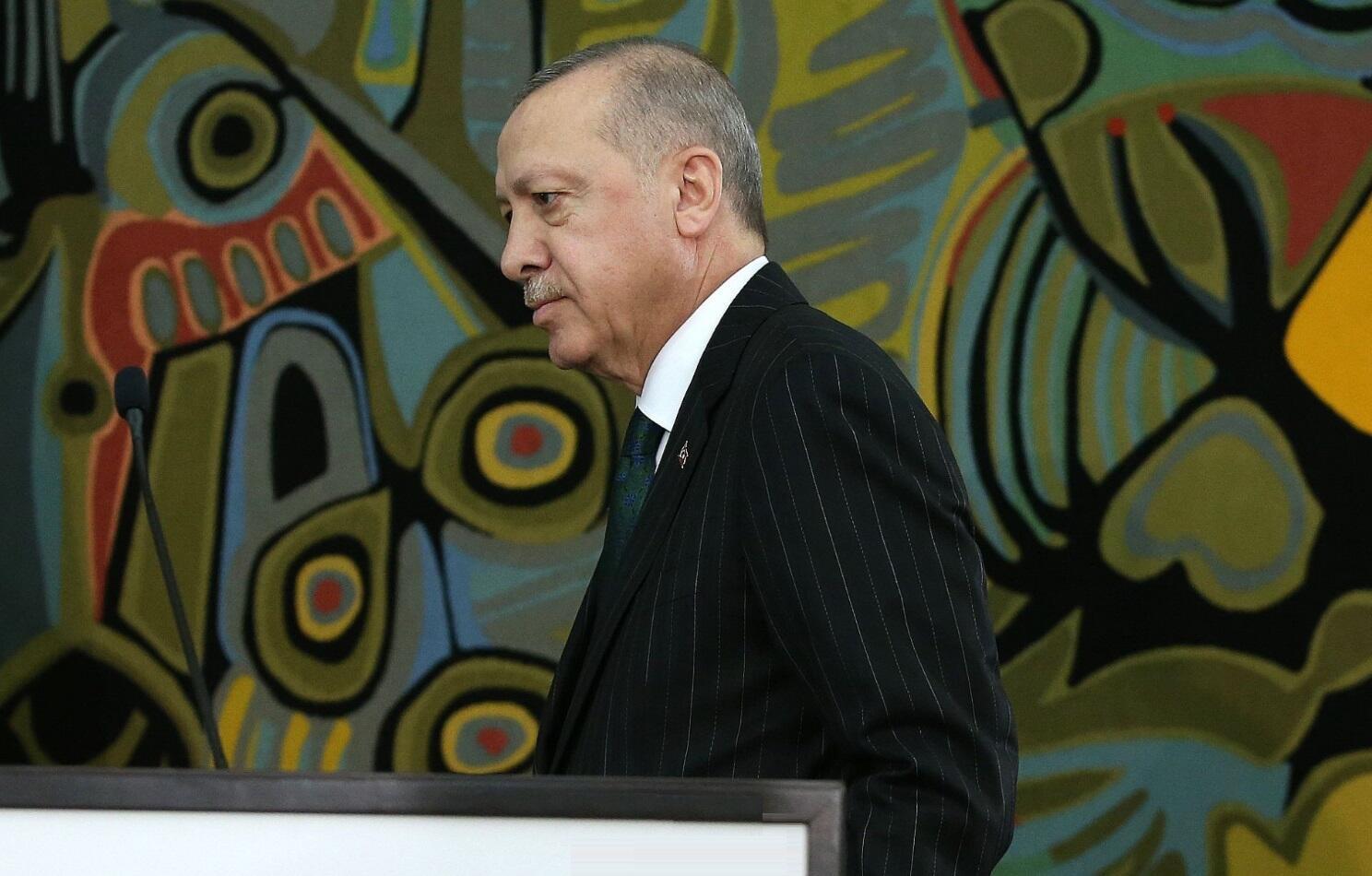 οηε ήττα τουρκίας δίκαιο θάλασσας Βόρεια Μακεδονία Διαδοχή Ερντογάν: Ο αθέατος πόλεμος της Τουρκίας και η Ελλάδα Τουρκία: Ο γαμπρός Ερντογάν έφυγε, η τουρκική λίρα ανέβηκε