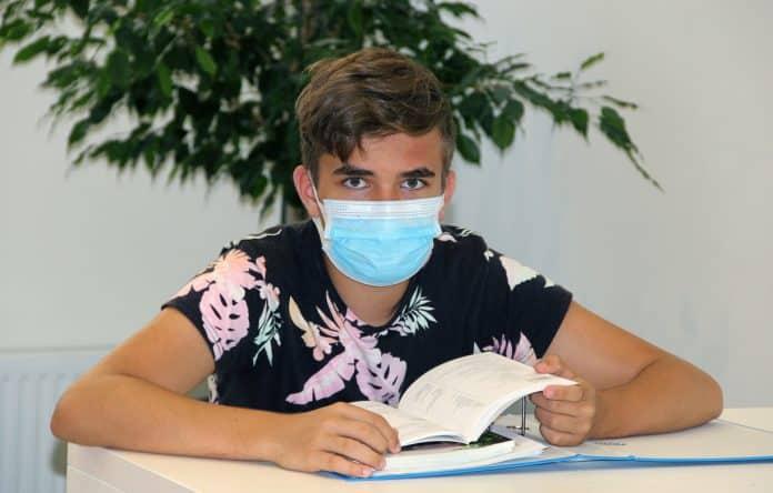 ΙΕΚ - ΕΠΑΛ - ΣΕΚ: Έκτακτη ενίσχυση 700 ευρώ για τους μαθητές