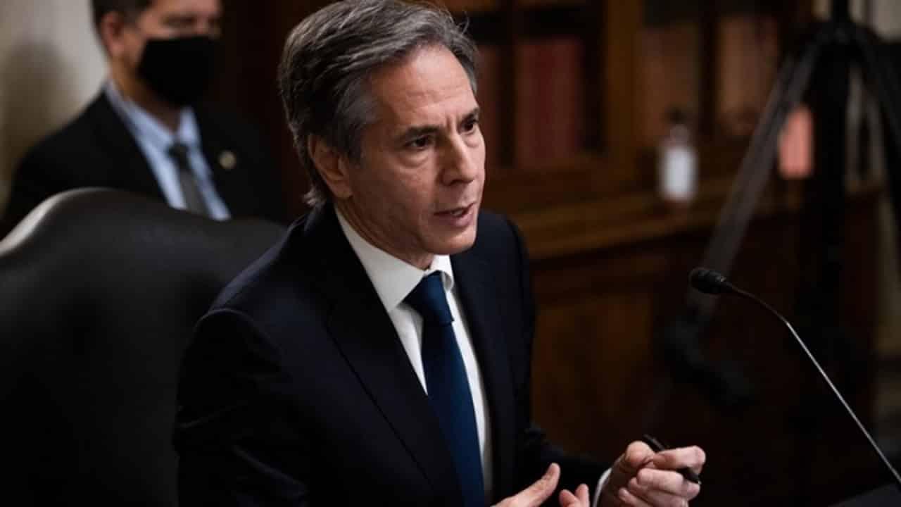 Άντονι Μπλίνκεν: Η σχέση ασφαλείας ΗΠΑ-Ελλάδας είναι σημαντική για τα αμερικανικά συμφέροντά στην Ανατολική Μεσόγειο ΗΠΑ: Η Τουρκία «δεν συμπεριφέρεται σαν σύμμαχος», δήλωσε χθες στην αμερικανική Γερουσία ο Άντονι Μπλίνκεν αναφερόμενος στους S-400