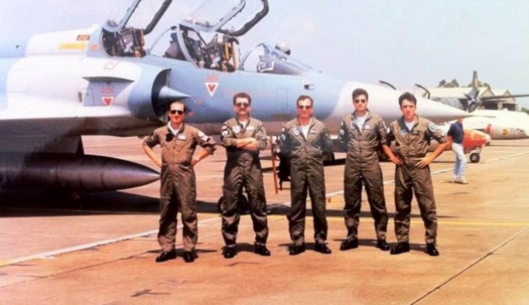 Όταν Έλληνες πιλότοι έσπασαν τα τζάμια της Σμύρνης - Λογοκλοπή militaire